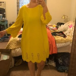 Scalloped yellow dress with lace detail